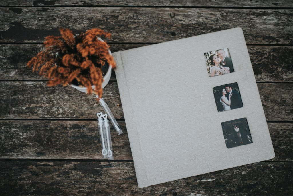 Wedding album - Wedding Photographer Westcork